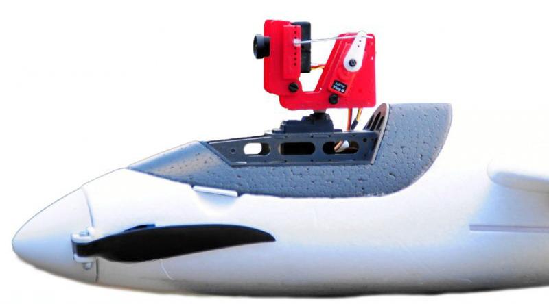 Kokpit EasyGlidera s polohovacím zařízením kamery